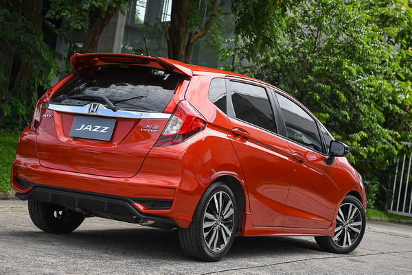 2017-Honda-Jazz-RS+_07