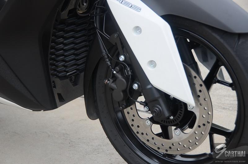 Yamaha-XMax300_02