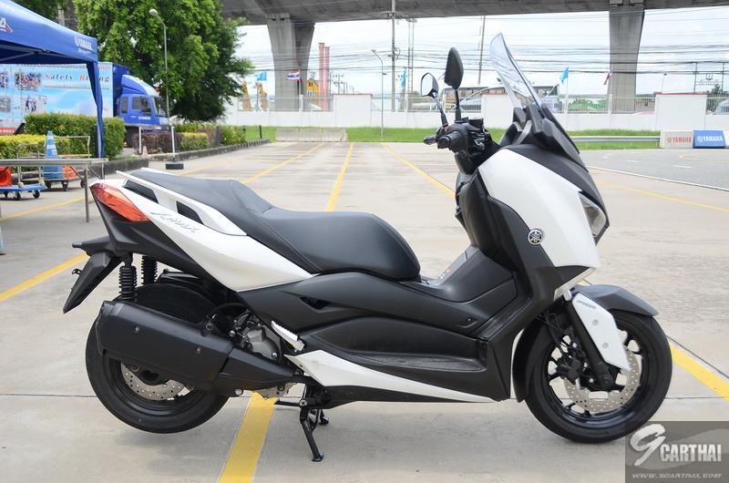 Yamaha-XMax300_09