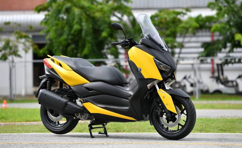 Yamaha-Xmax300_resize