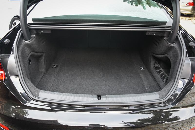 Audi-A5_17