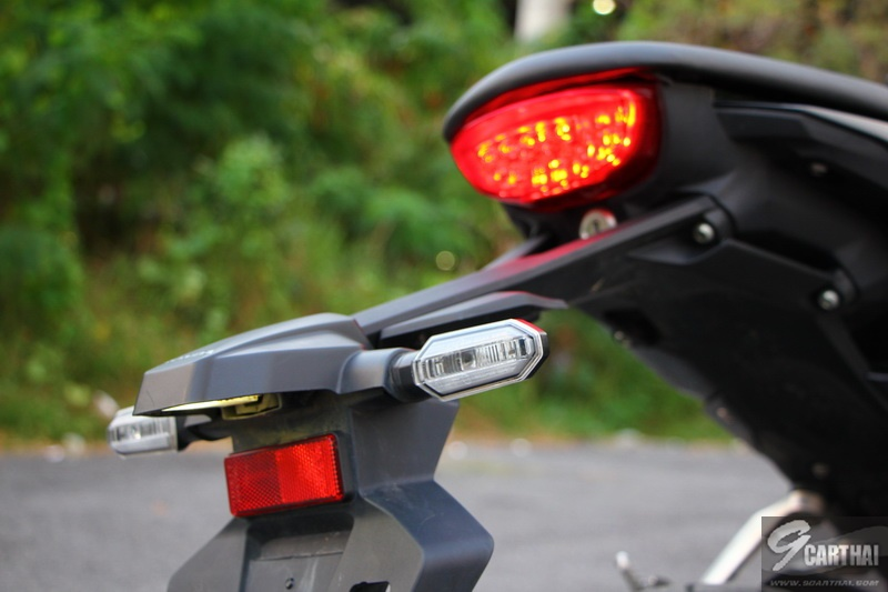 Honda-CB150R-Review_053