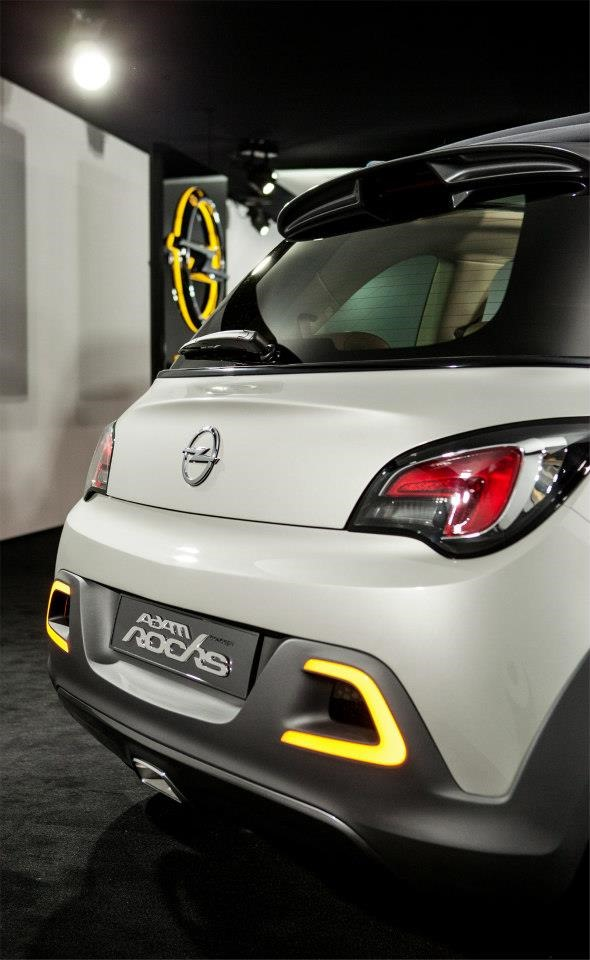 """ภาพแรกเลย! Opel เปิดตัวรูป """"Adam ROCKS Concept"""" ส่วนด้านบน ..."""