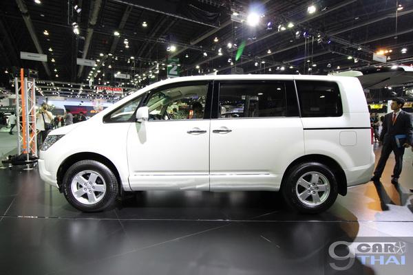 ใหม่ New Mitsubishi Delica Space Wagon 2017-2018 ราคา ...