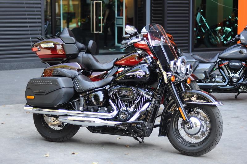 2018-Harley-Davidson-Softail-Heritage