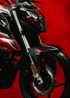 razer220-action-1-big
